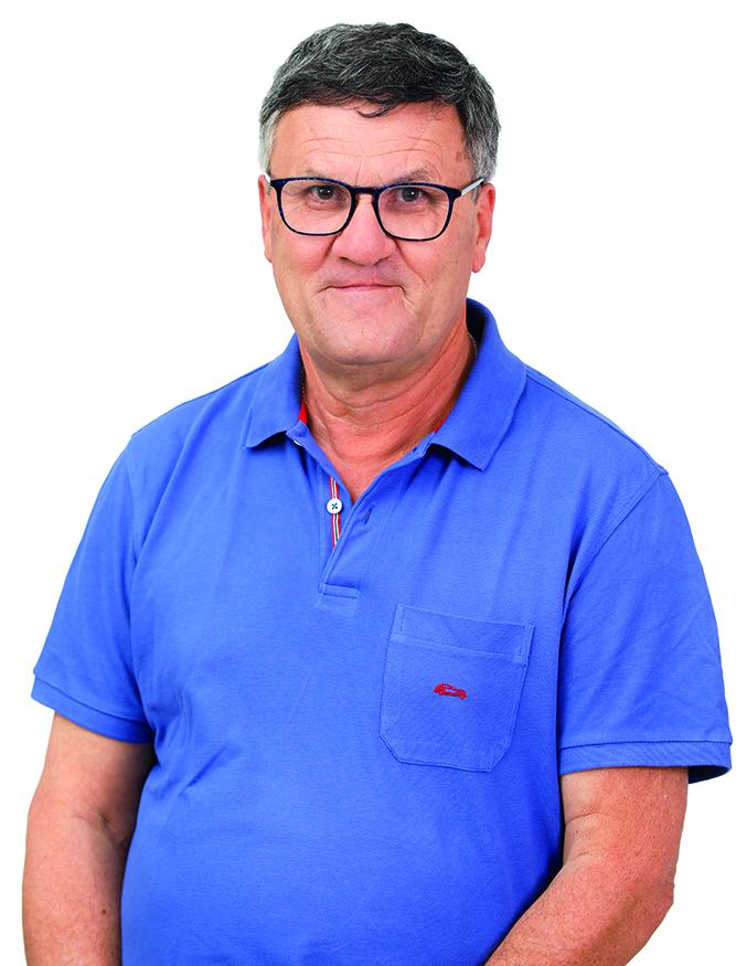Oficial de la Policía Local de Gáldar recién jubilado. Ejerció su profesión durante 37 años. 61 años. Nace en Marmolejos y vive en San Isidro desde hace 55 años.